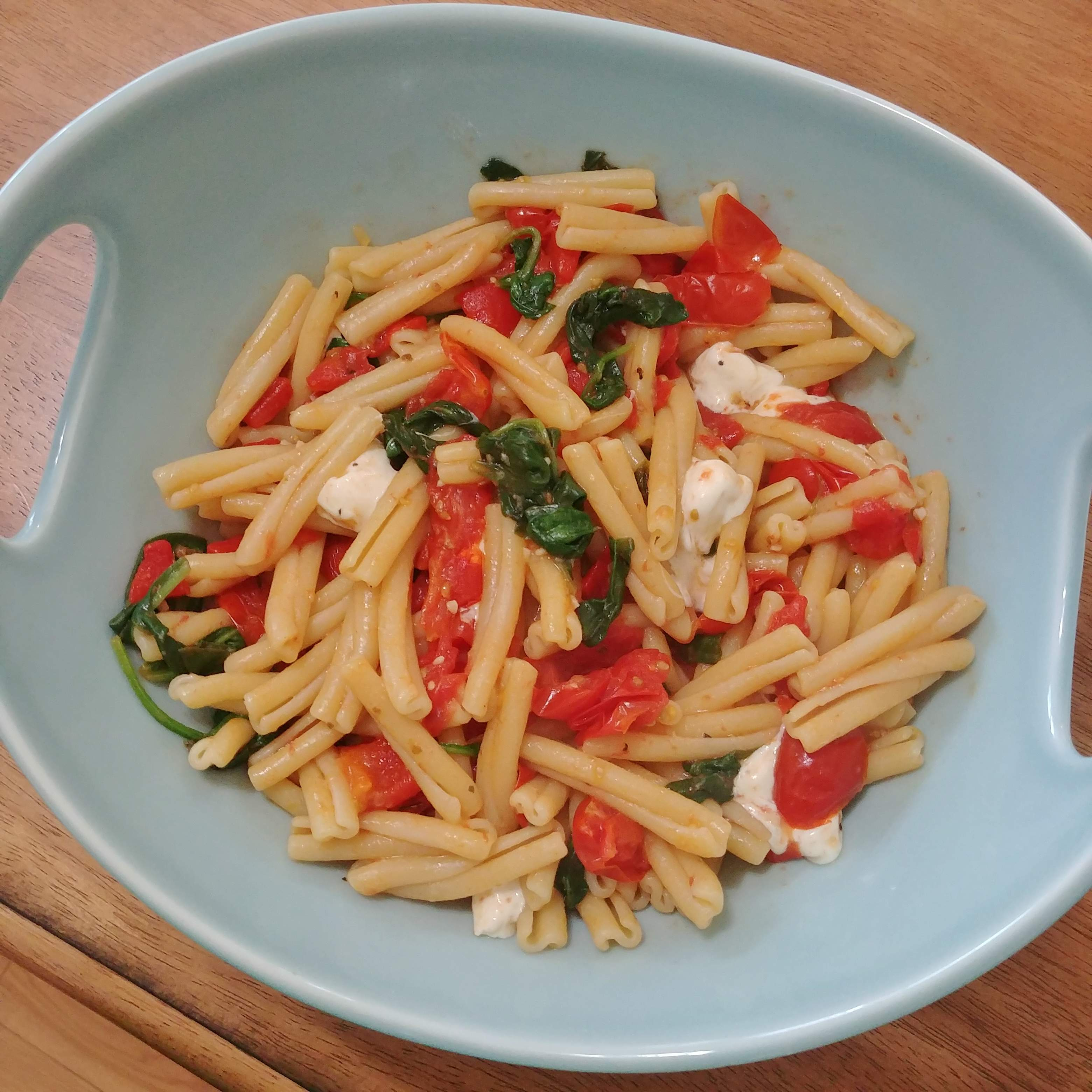 Pasta with Tomatoes and Roasted Red Pepper | Join Us, Pull up a Chair